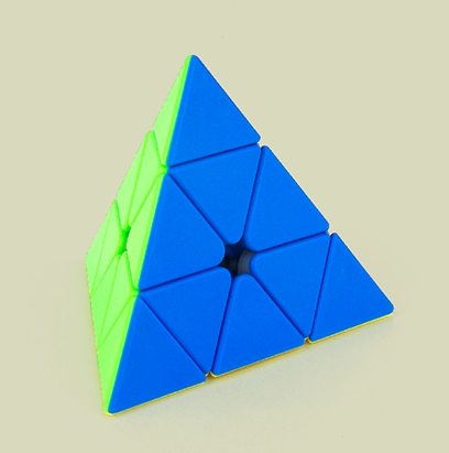 MoYu Pyraminx (Stickerless)